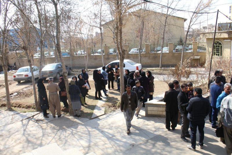 تجمع اعتراضی معلمان، آموزش و پرورش سقز، مطالبات صنفی، افزایش حقوق و مزایا